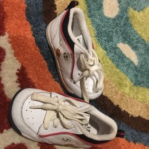 Boys Stride Rite Sneakers Size 5.5 M